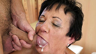 Gilfs mouth dripping jizz
