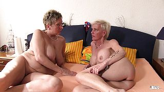 XXX Omas  Foursome fuck for naughty German blonde grannies